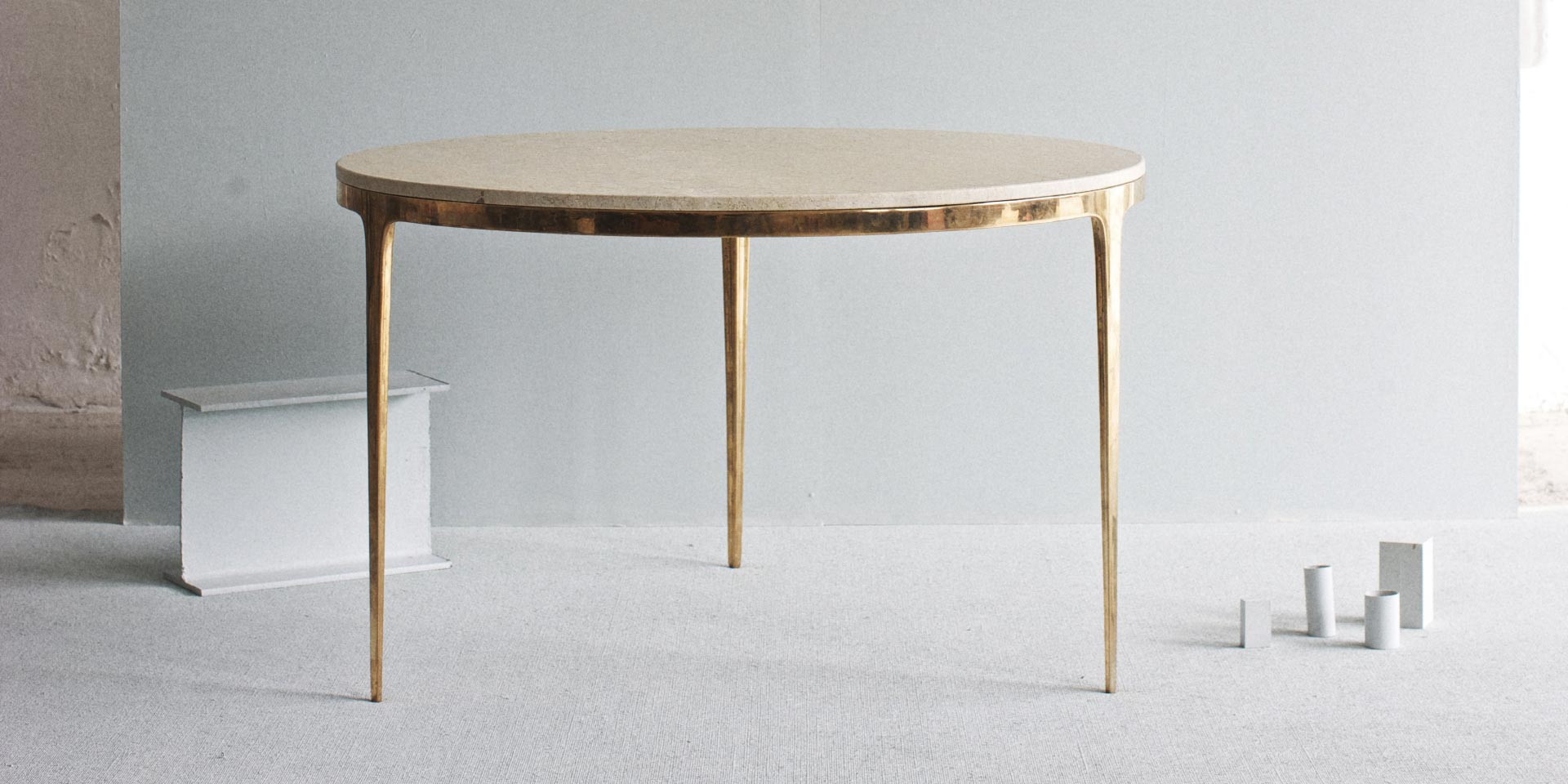 bronze-round-table-2